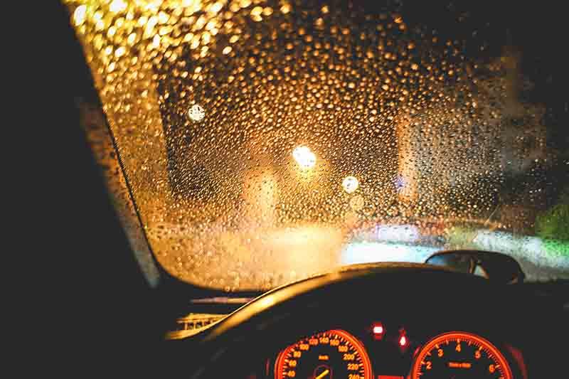 กระจกรถเป็นฝ้า