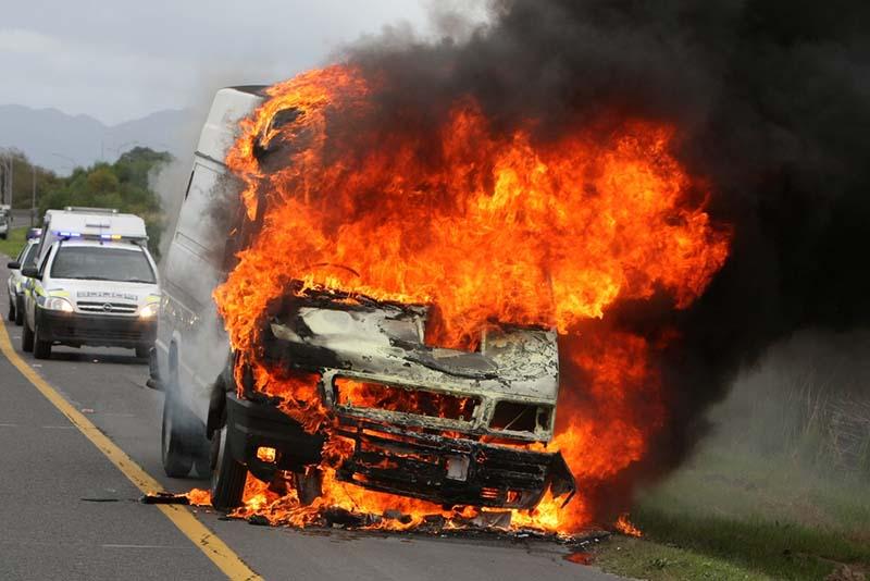 ไฟไหม้รถยนต์
