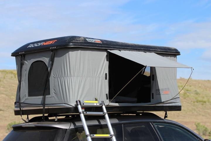 เต็นท์บนหลังคารถ อุปกรณ์เสริมสำหรับนักเดินทางที่ทันสมัย