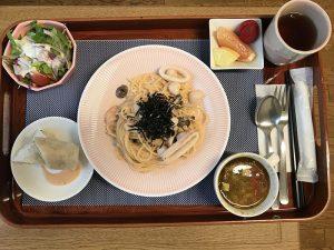 อาหารกลางวันกับทะเลพาสต้า