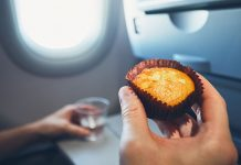 อาหารขึ้นเครื่องบินได้