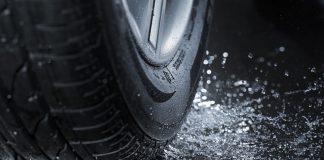 ดอกยางและร่องยาง สำคัญอย่างไร เมื่อต้องขับรถลุยฝน