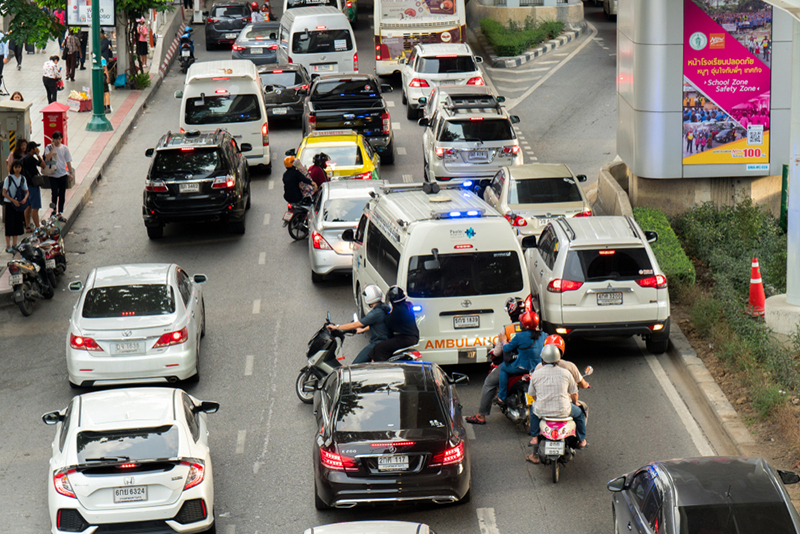 หลีกทางให้รถฉุกเฉิน