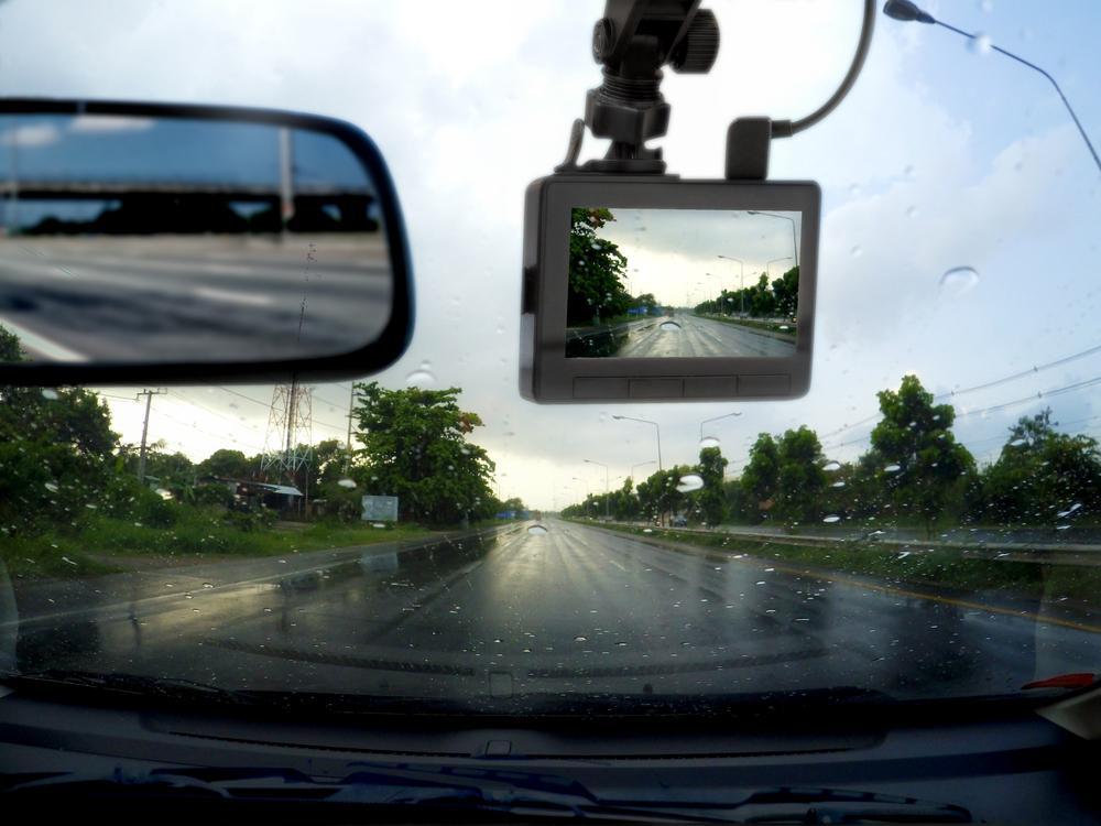 กล้องติดหน้ารถถือเป็นสิ่งจำเป็นสำหรับรถยนต์