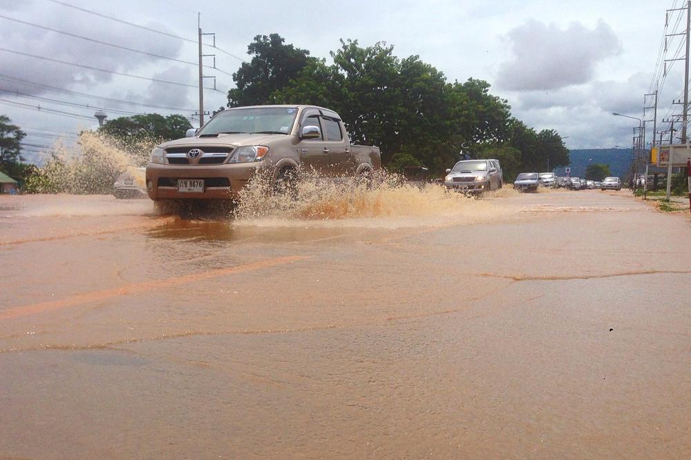 วิธีดูแลรถยนต์หลังน้ำท่วม