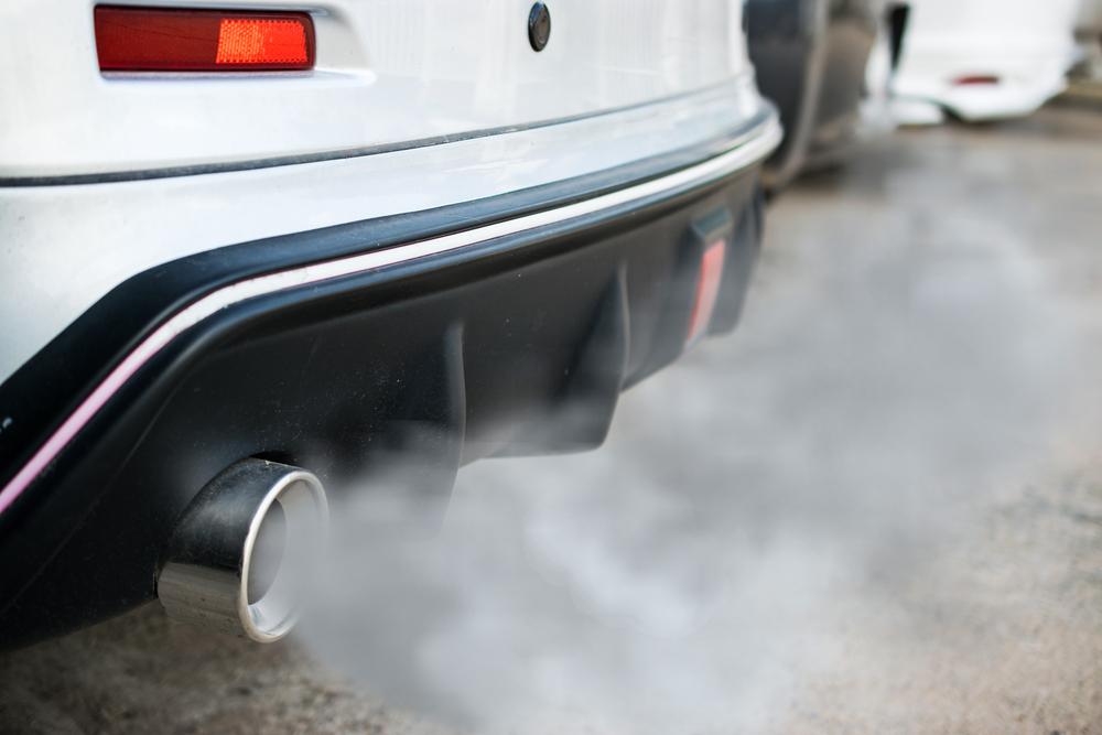ควันจากท่อรถเป็นสาเหตุของการเกิดฝุ่น PM 2.5