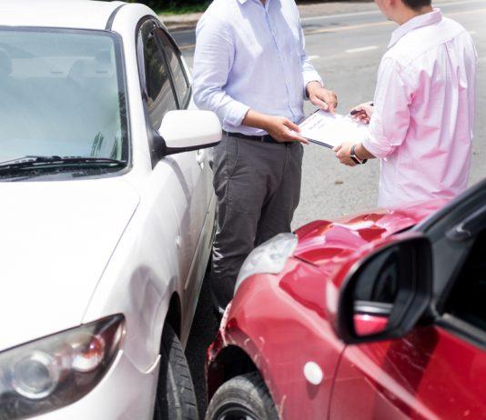 เคลมประกันรถบ่อย มีผลเสียอะไรกับคุณบ้าง