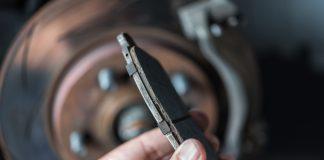 ผ้าเบรครถยนต์ ดูแลอย่างไรเพื่อยืดอายุการใช้งาน