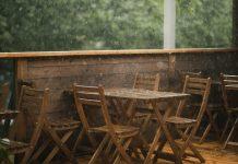 ดูแลเฟอร์นิเจอร์ไม้ ให้ปลอดภัยในช่วงฝน