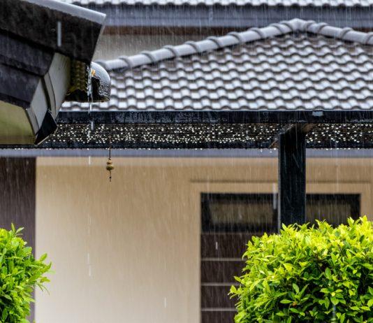 วิธีดูแลบ้านในหน้าฝน หมดปัญหาบ้านเหม็นอับชื้น